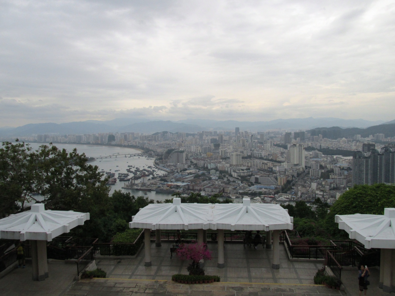 Курортный город Санья с обзорной площадки