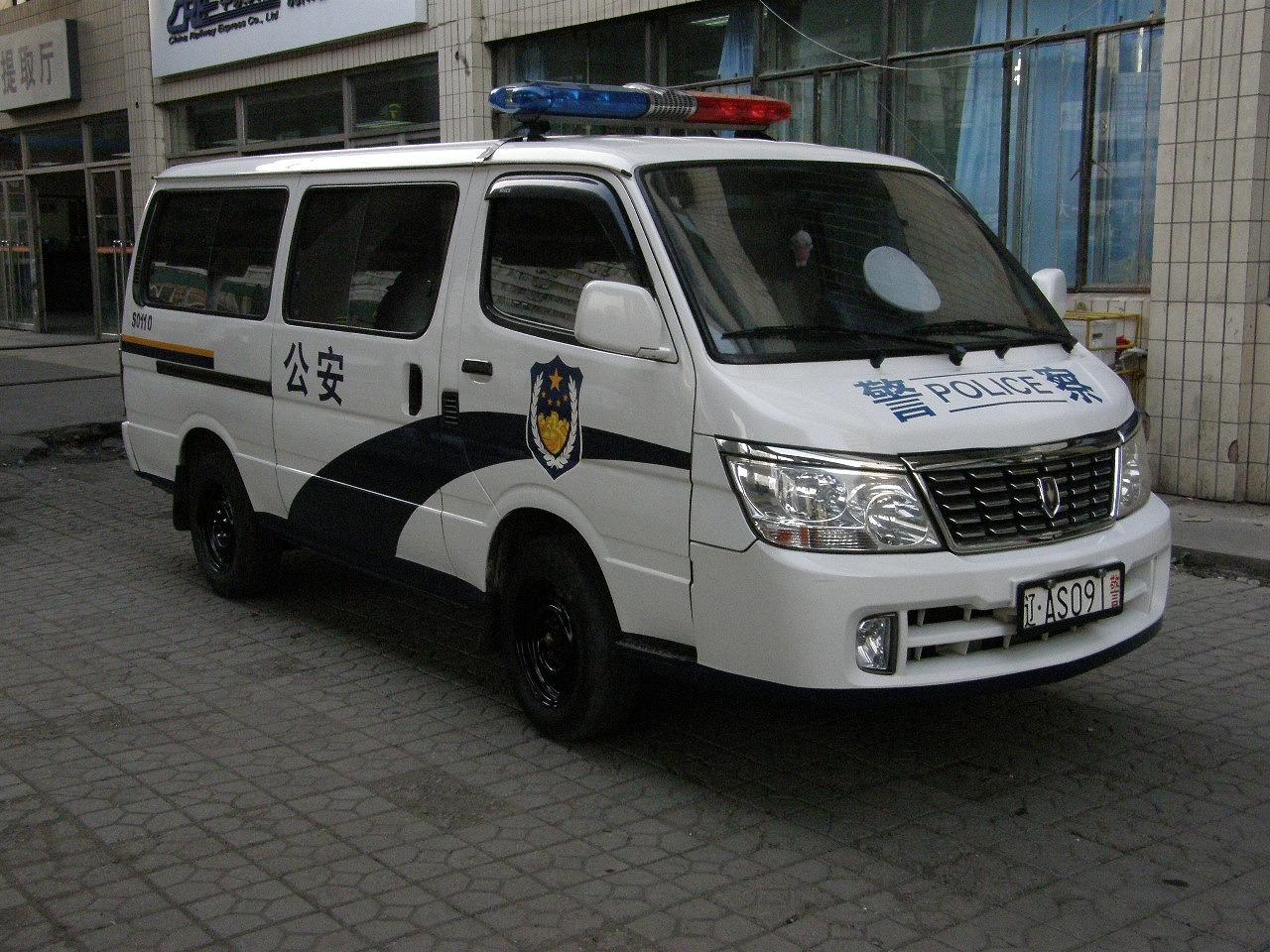 Микроавтобус JinBei на службе у полиции